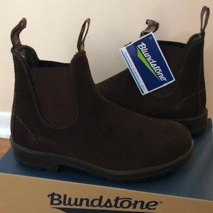 Blundstone Suede Chelsea Brown Boots. Size: 8, 10